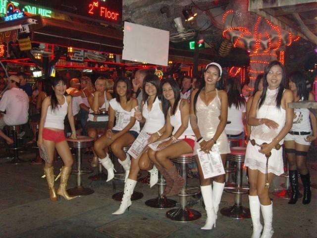 проститутка на пкухете средняя стоимость