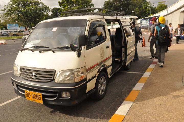 phuket airport minibus