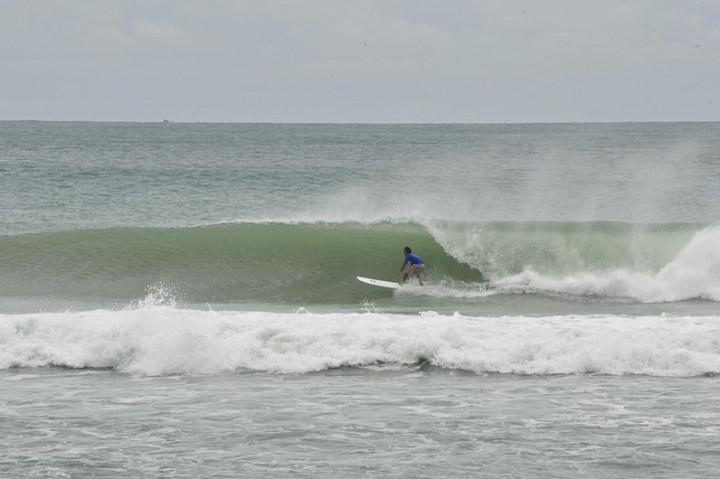 kalim beach surfing