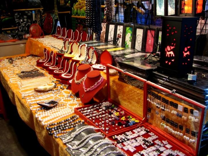 naka market 1