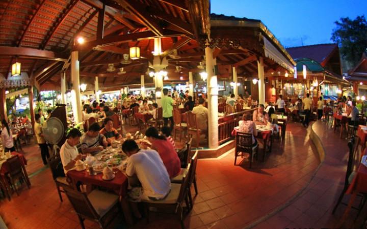 restaurant savoey-seafood