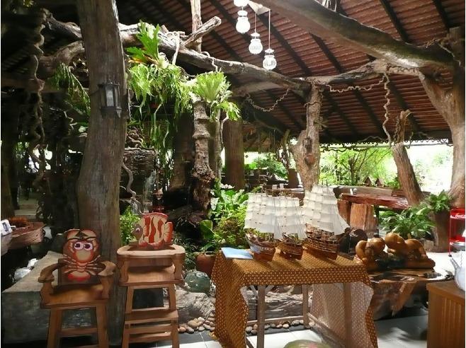 restaurants natural