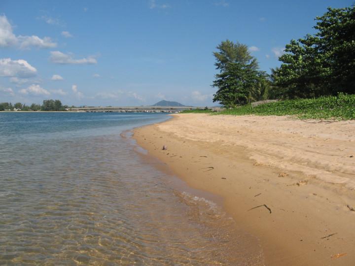 beach haad sai kaew