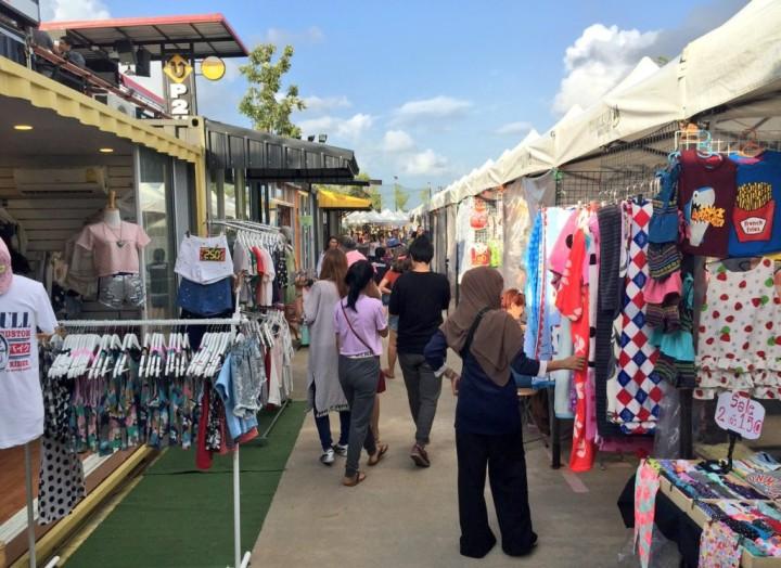 Chilva market clothes