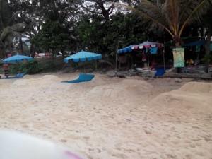 beach-benches