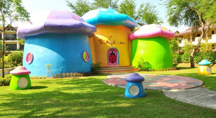 Patonh hotel for children
