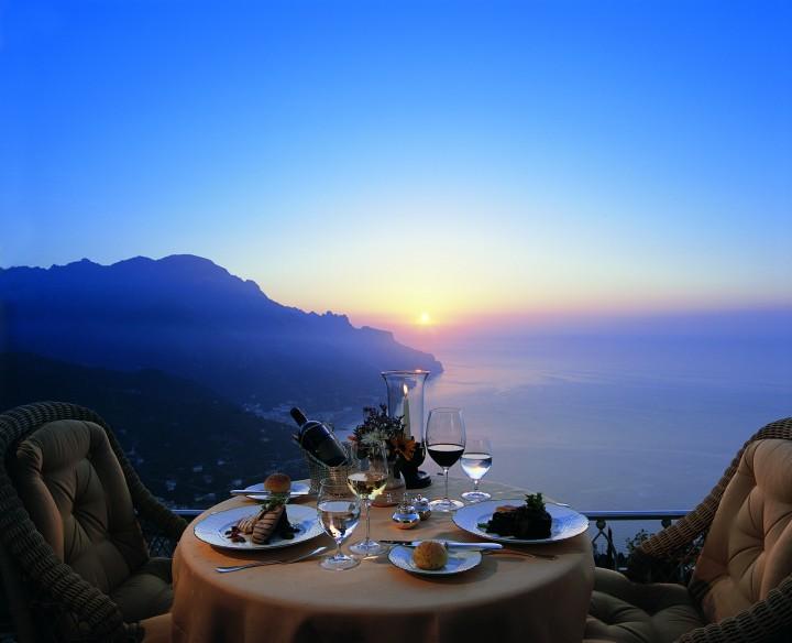 romantic dinner on phuket