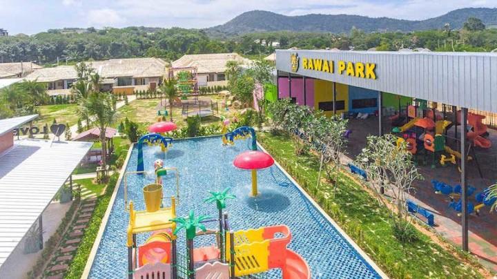 Swimming zone in Rawai Park