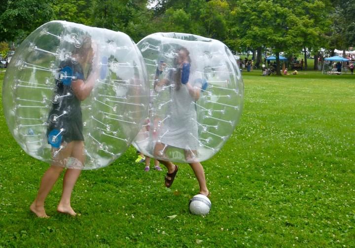 bubble football2