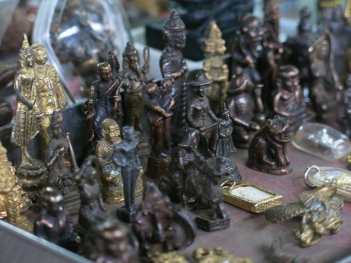 amulet alley phuket
